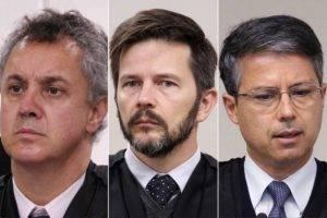 Três homens e uma sentença.