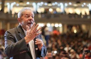 """Lula sobre frente ampla: """"Não tem como fazer frente por direitos com quem retirou direitos, com quem fez o impeachment"""""""