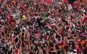 Lula liberto discursa no Sindicato dos Metalúrgicos de São Bernardo Campo