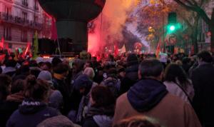 Greve geral: Sindicato fala em 1,5 milhão nas ruas da França contra reforma da previdência de Macron