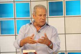 "José Dirceu debate as ""frentes"""